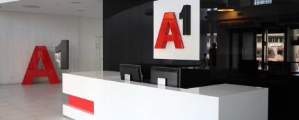 Абоненты А1 в роуминге смогут бесплатно звонить на «горячие линии» белорусских диппредставительств